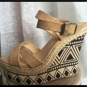 Bucco Capensis Rosamond Wedges
